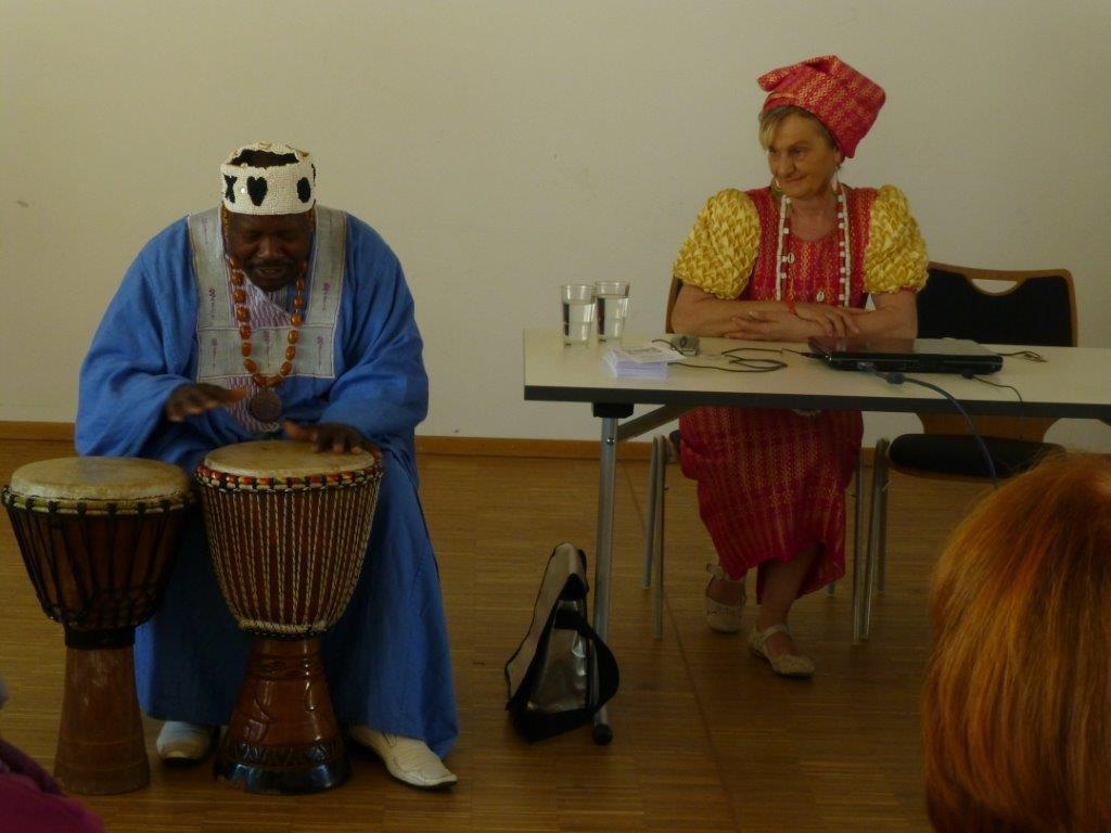 """""""Ein König aus Afrika und seine Frau…"""" -  mit Manuela und Jules Samlan, Herrmannsdorf"""