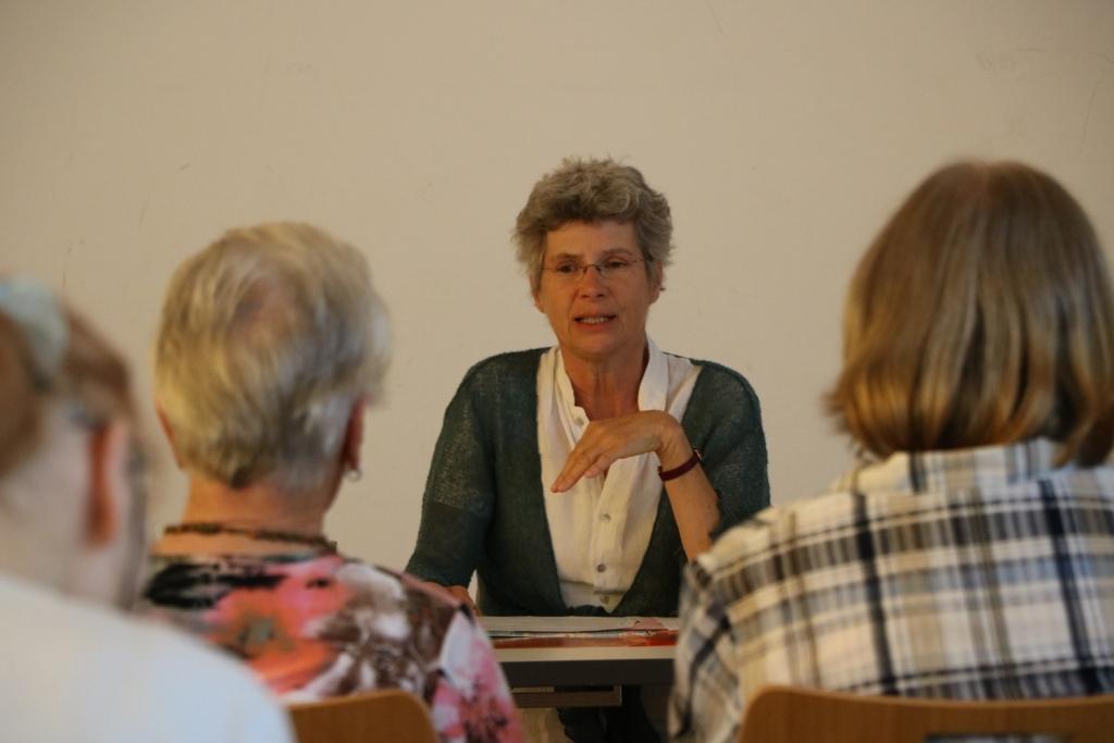 """""""Was bedeutet 'Fair'     Was ist 'Fairer Handel'?""""     mit Marie-Dorothee Flammersfeld,"""
