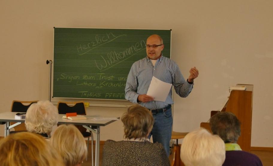 Singen zum Trost und Trotz – ein Markenzeichen der Lutherischen? mit Thomas Pfeiffer