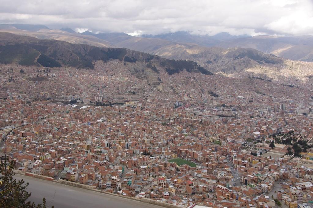 Ein Teil von La Paz nach der Ankunft am Flughafen (El Alto)