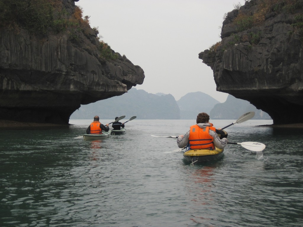 Kajaken in der Ha Long Bucht