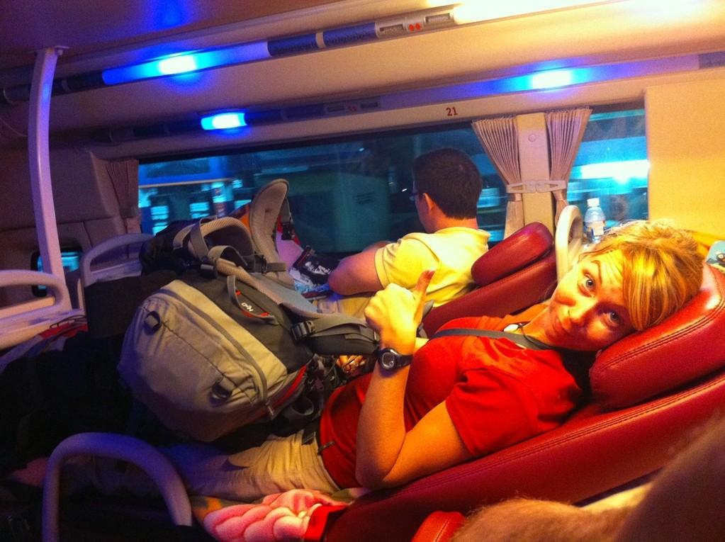 Nachtbus...für die Rucksäcke ist kein Platz vorhanden!