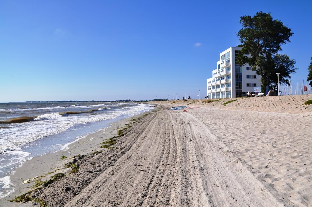 Blick auf das Haus zur Mole am Ende der Promenade