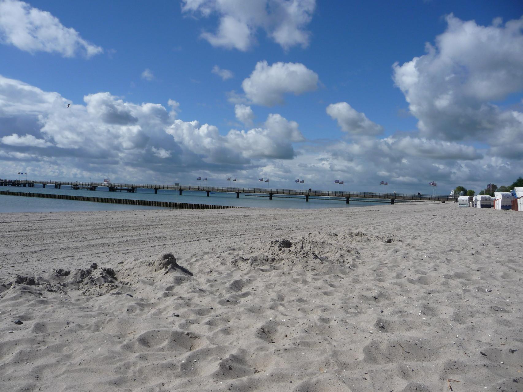 Weißer Strand soweit das Auge reicht