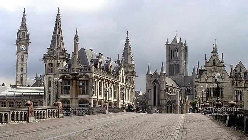 Gent- Zicht op de Torens vanaf de St. Michielsbrug