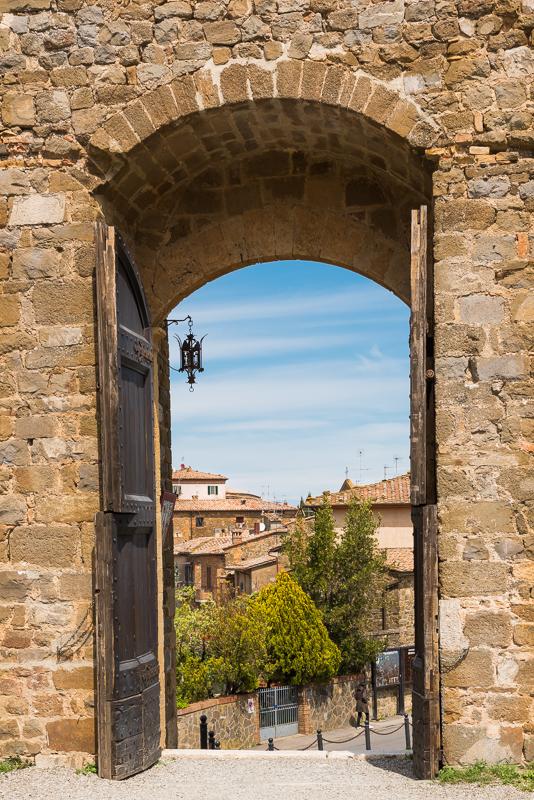 Doorkijkje naar het authentieke dorp Alba