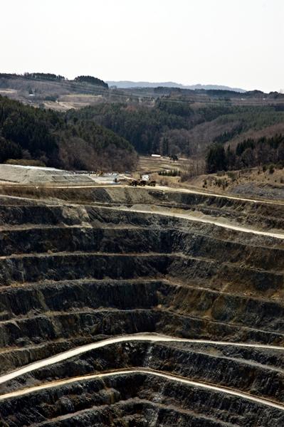 住友鉱山にもよって来ました。ここは海抜マイナス150メートルもあるという