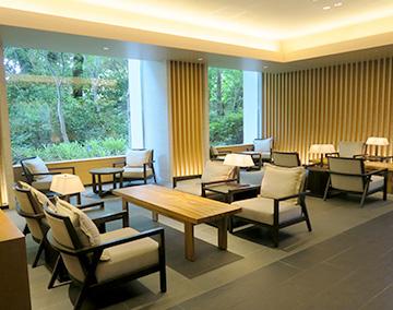 面談は主に横浜、川崎、品川のホテルのラウンジなどで行います
