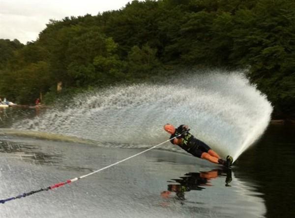 le slalom en ski nautique