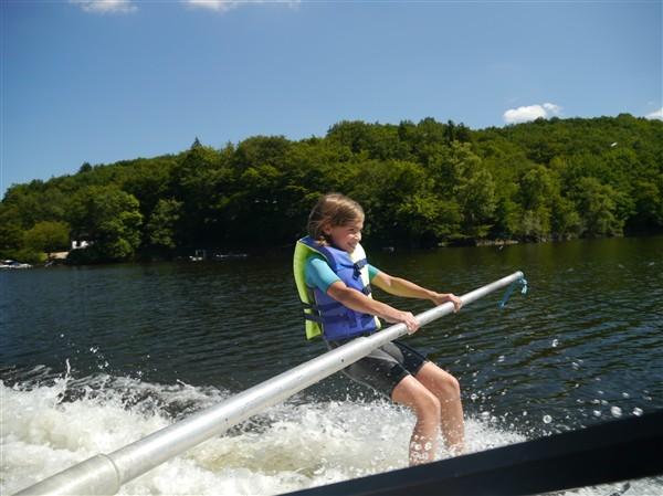 initiation au bi-ski à la barre pour les enfants