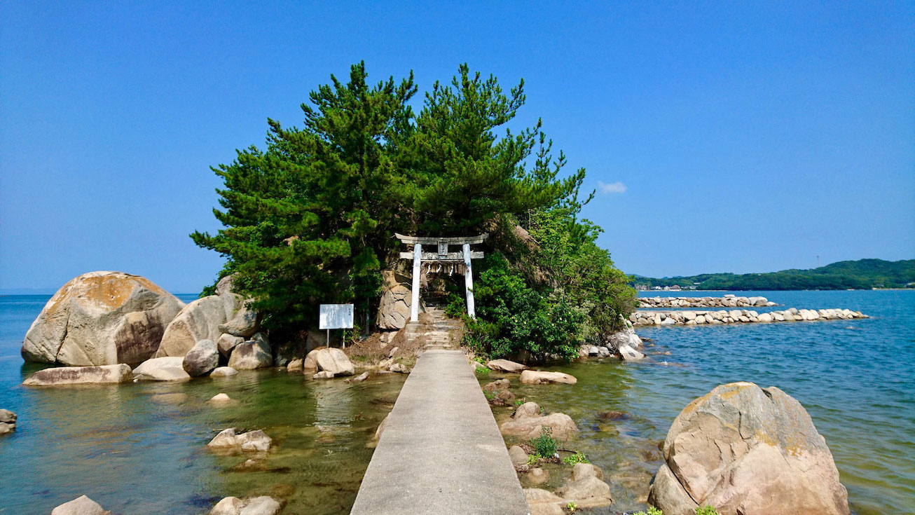 福岡県糸島市二丈浜窪、箱島神社 Rural cycling course / biking route at sea shrine