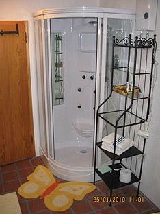 Dusche in funkfreier Ferienwohnung in der Altstadt von Landsberg