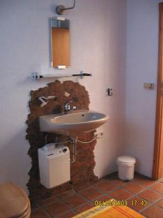Waschbecken im Ferien-Appartement ohne Funkstrahlung
