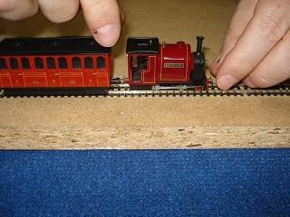 H0e Echtdampflokomotive - die ist wirklich so klein....