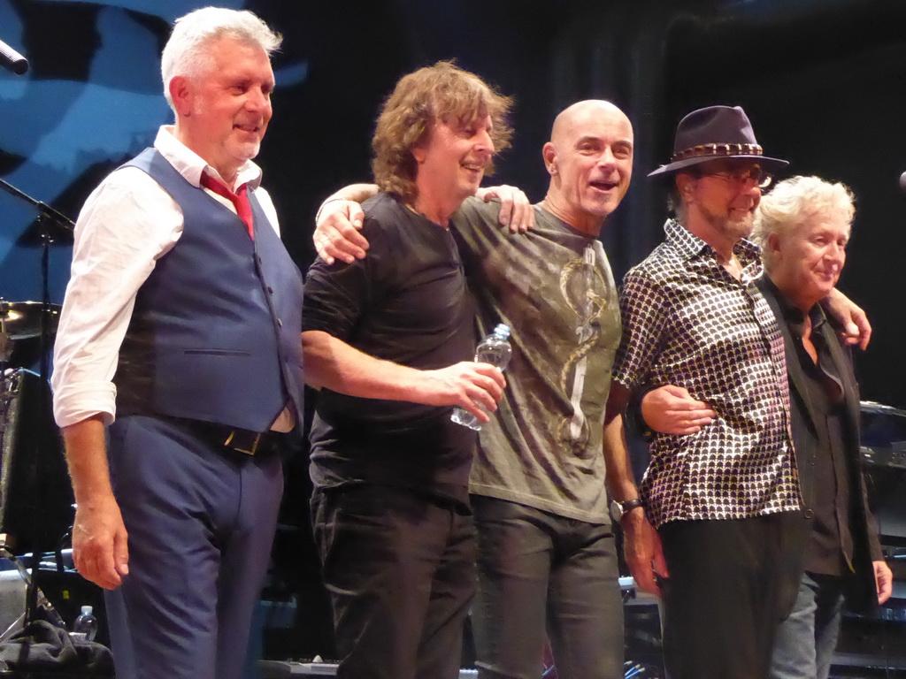 Mick Rogers, John lingwood, Steve Kinch, Manfred Man & Robert Hart, Manfred Man's Earthband (UK)