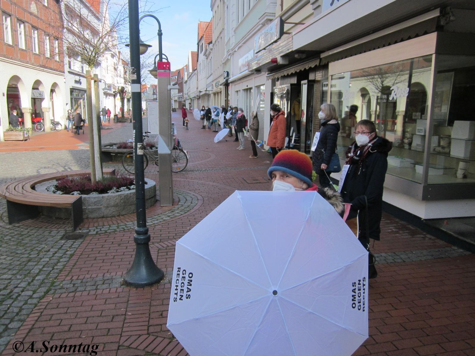 Verden: Mahnwache zum Gedenken an Hanau