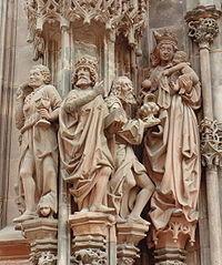 Representacion Gotica de la adoracion de los magos en la catedral de estrasburgo
