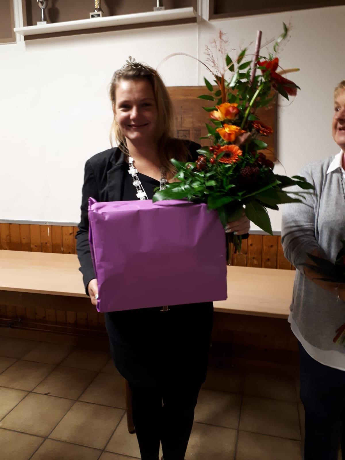 Damenkränzchenkönigin 2018/2019 Denja Herfurth (Prinzregent Stefan schaute noch Fussball)