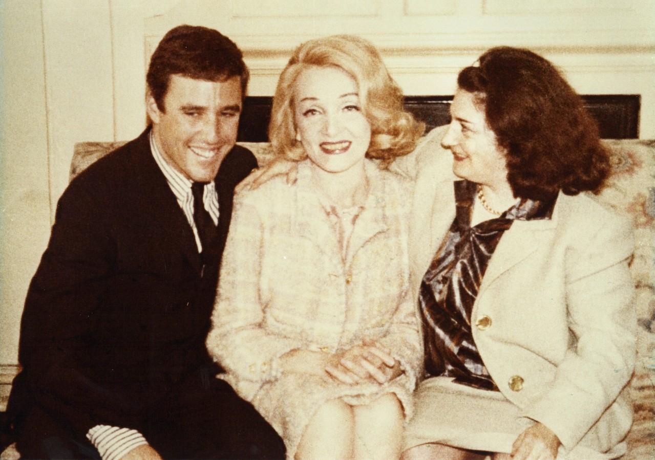 Burt Bacharach, Marlene Dietrich und Hertha Koch. London 1964. Fotograf ist vermutlich Friedrich Koch, Hertha Kochs Ehemann. (c) Privatarchiv Peter Kraxner Graz