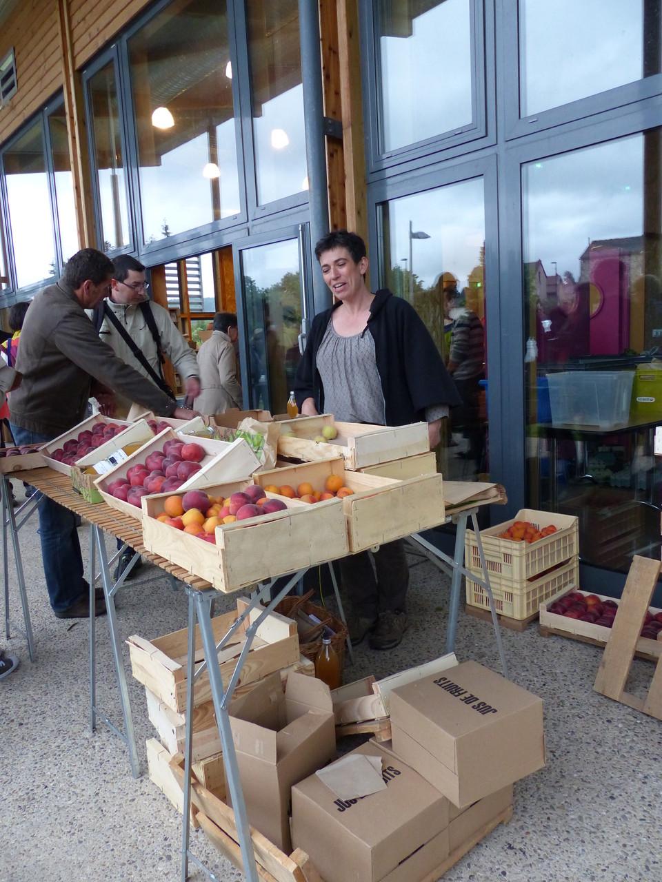 Zabou Bruyère, productrice de fruits d'été