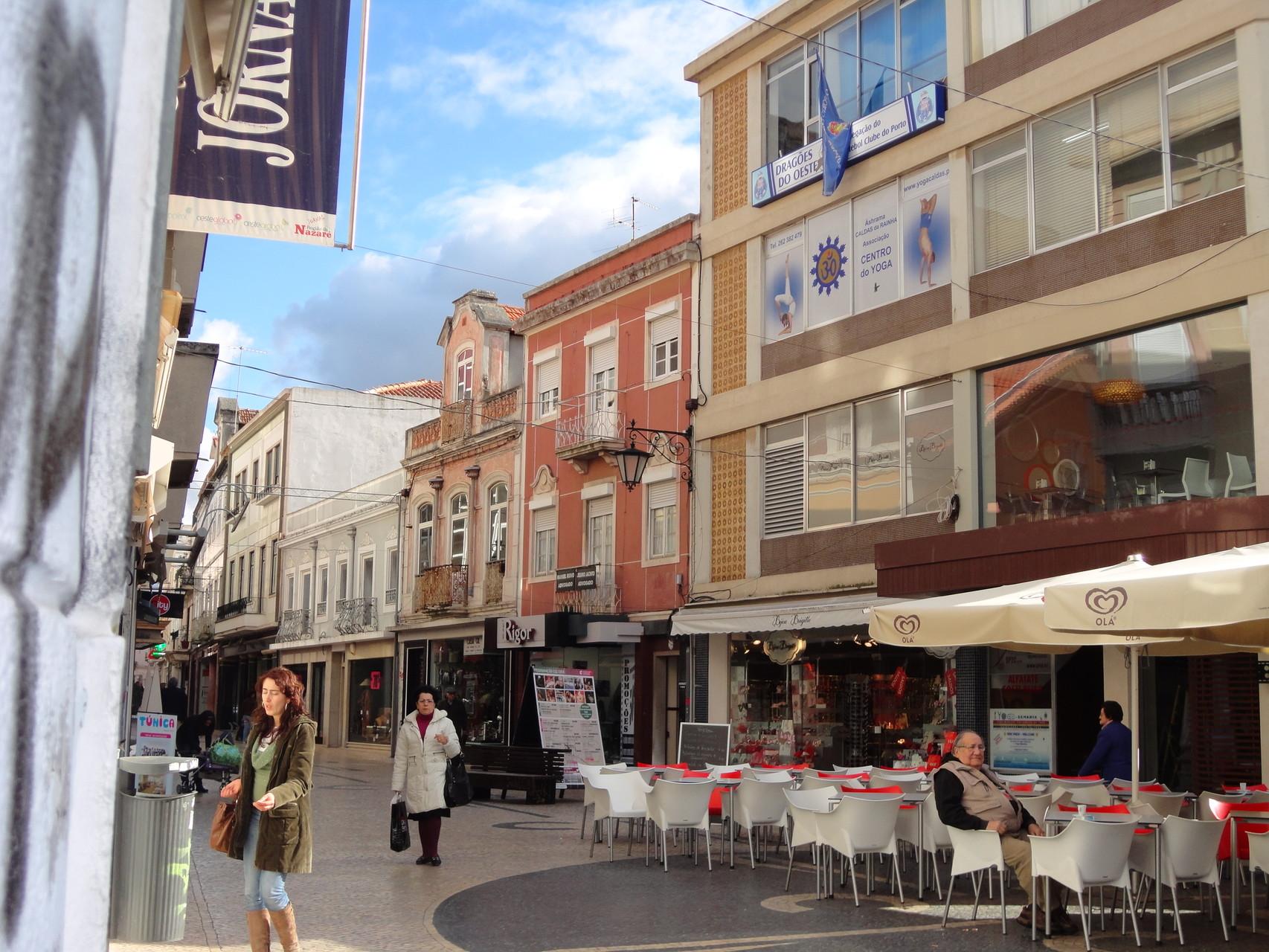 """Vista da Rua das Montras junto à Loja """"Giovani Galli"""""""