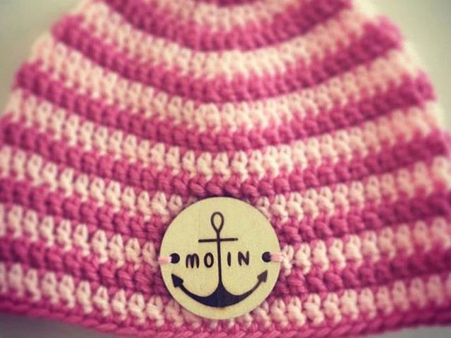 Mütze mit Holzannäher und Branding