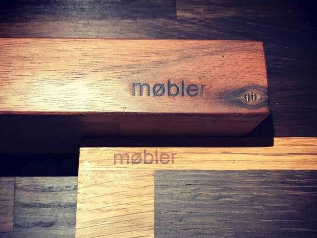 """Smartphone- bzw. Tabletständer gekennzeichnet durch """"møbler"""""""