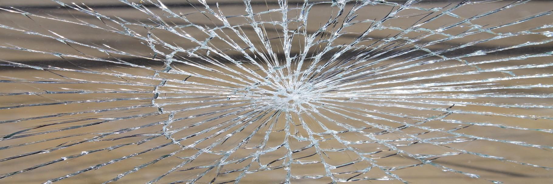 Locksmiths La Clau Màgica, Crystals 24 hours in Barcelona