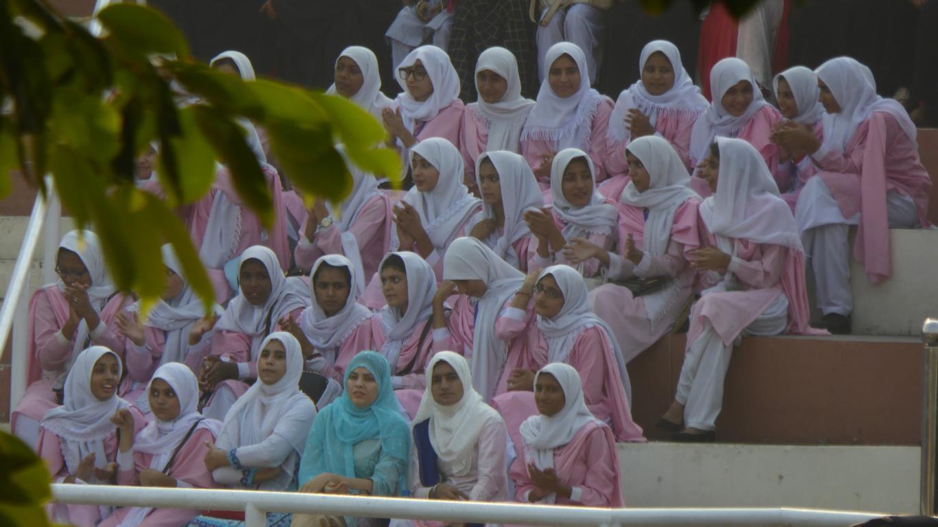 Pakistan Männer und Frauen getrennt!