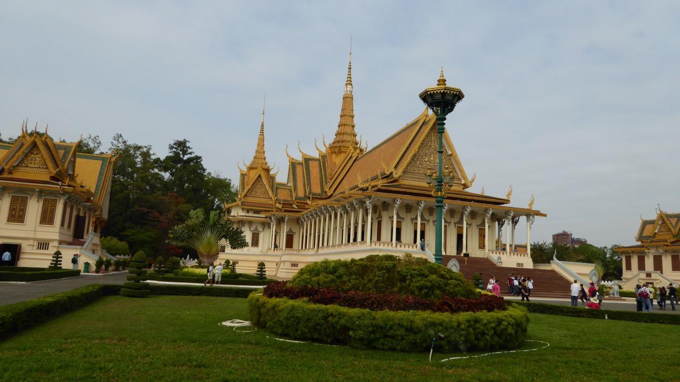 Im Königspalast