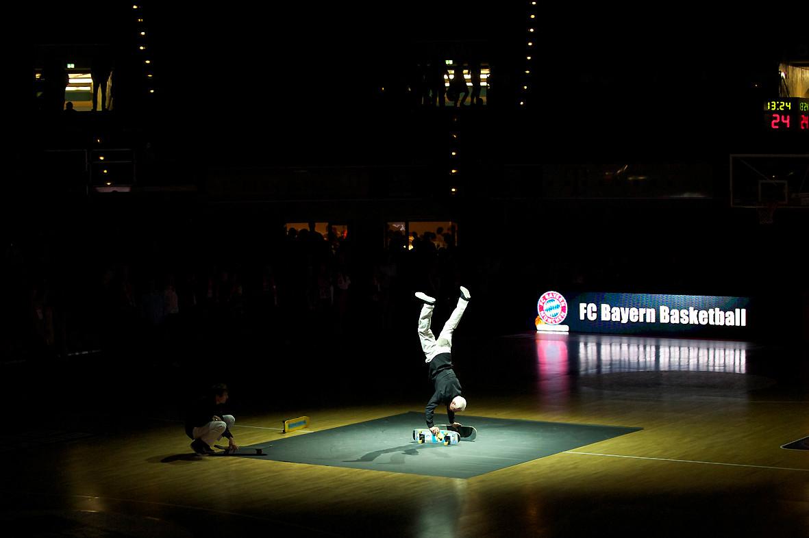 Start der Skateboard-Show im Audi-Dome München,