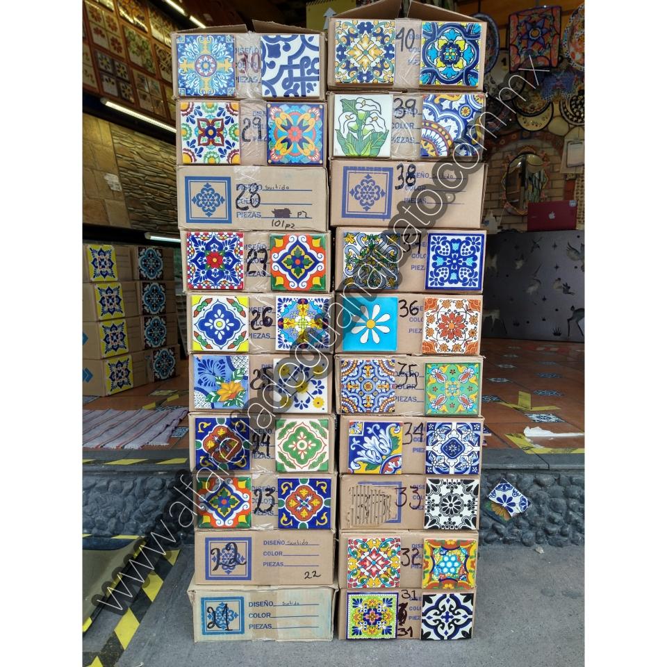 Azulejo Talavera en medida de 10.8x10.8 cajas con hasta 9 decorados en cada caja