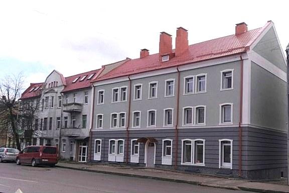 Главный фасад дома, вид после ремонта