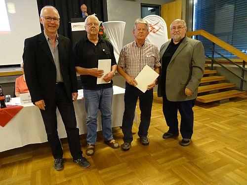 Anläßlich der Versammlung des Sportkreises Region Kassel am 20. April, wurde Spartenleiter K. Knoblauch für 70 Jahre Vereinsarbeit geehrt.
