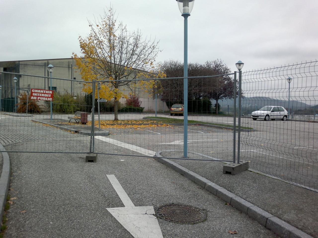 Et fermeture du parking !
