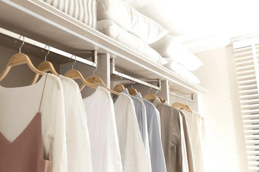 Kleiderschrank ausmisten, entrümpeln und aufräumen, aber wo anfangen?  Ordnungscoach und Aufräumcoach Dagmar Schäfer, Zürich