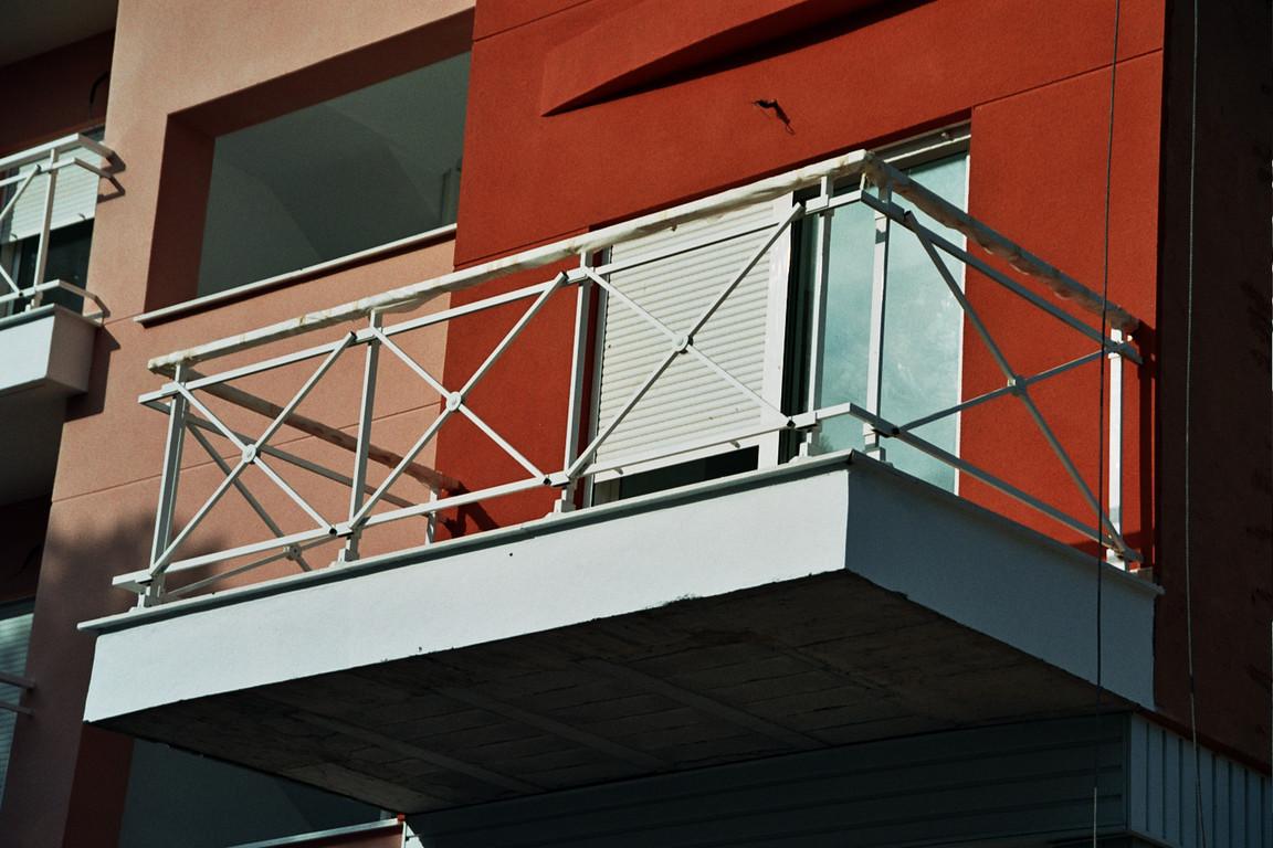 Barandilla de balcon con vidrio