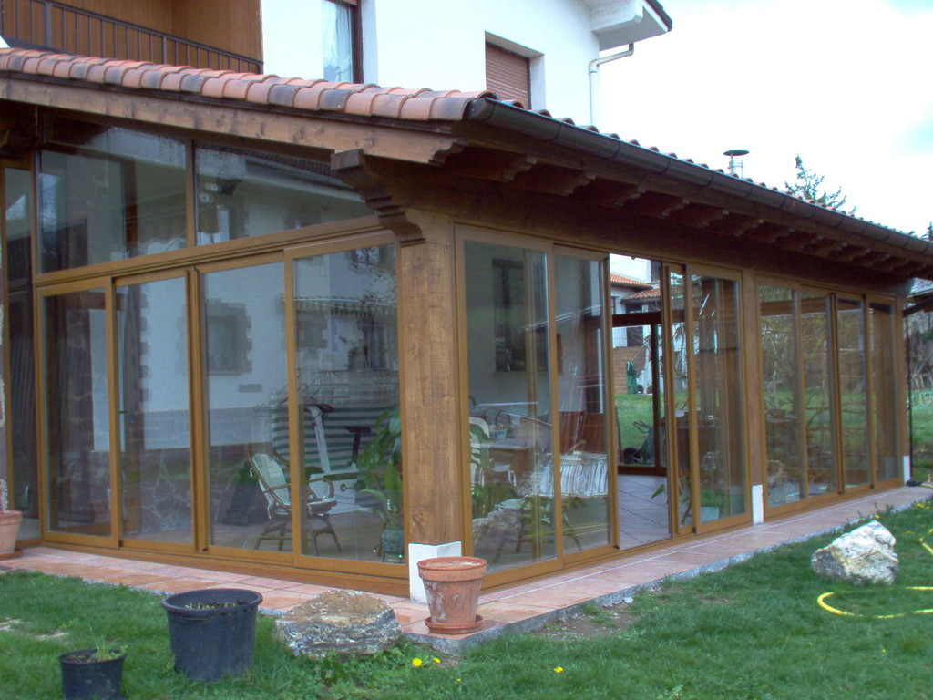 Porches de aluminio y madera aluminios no in gar s for Tejados de madera para porches