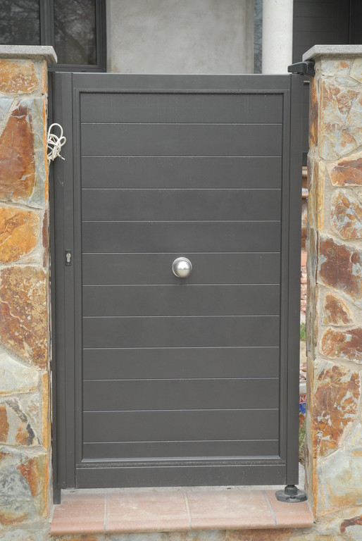 Puertas metalicas exterior jardin affordable de hierro - Puertas de exterior metalicas ...