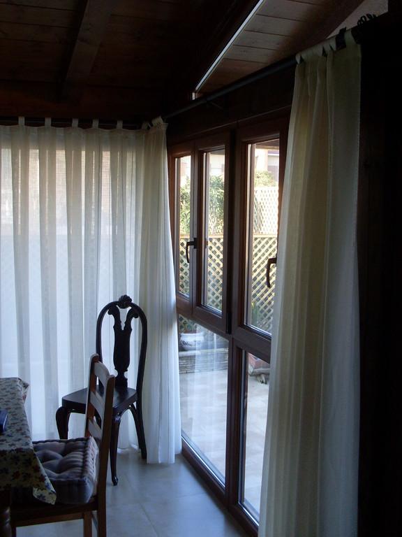 Interior de porche con cierre de pvc