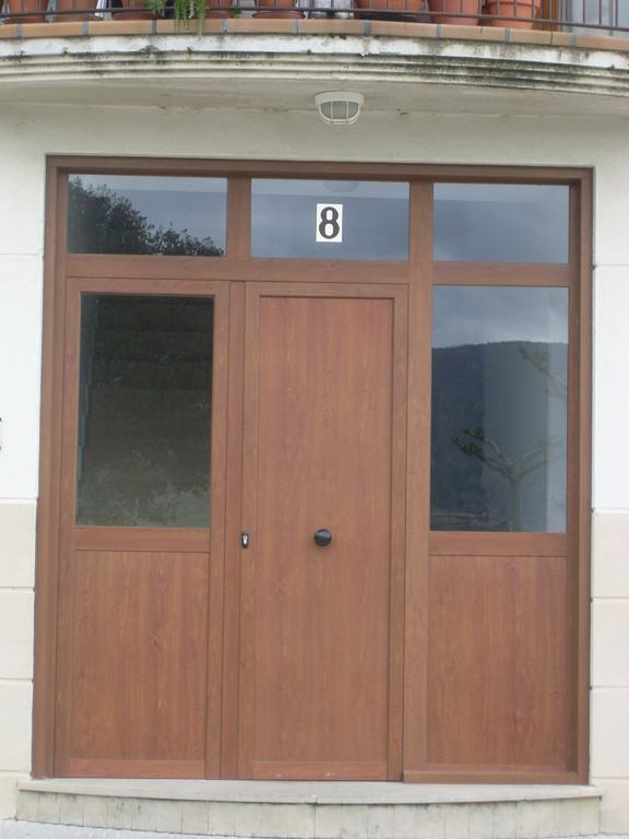 Puertas aluminios no in gar s for Puertas jardin aluminio
