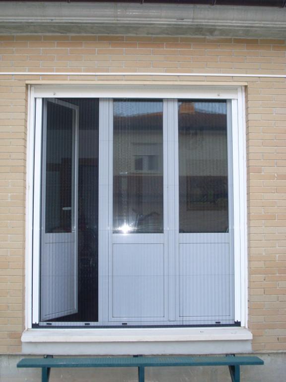 Plisadas aluminios no in gar s for Mosquiteras plisadas para puertas