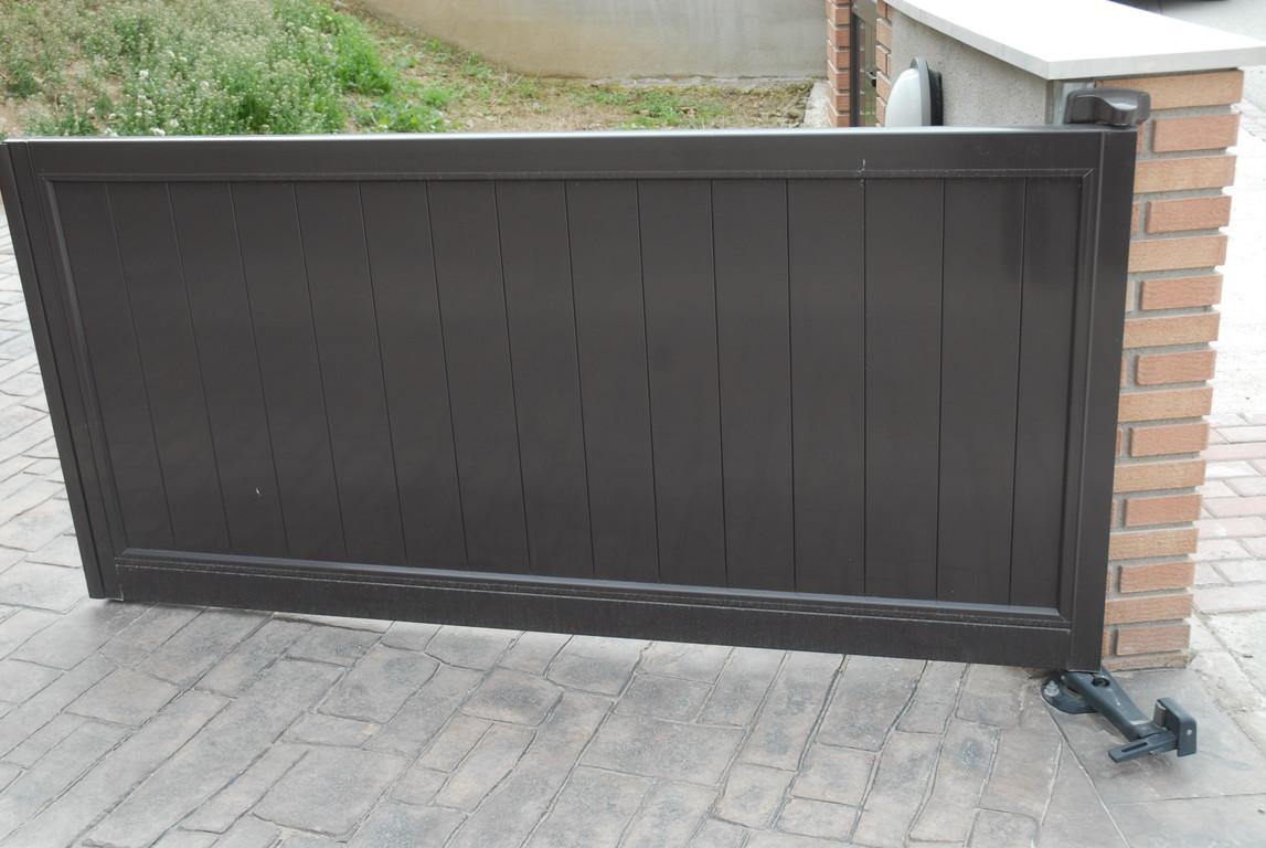Puertas jardin aluminio interesting luz del csped lmpara for Puertas jardin aluminio