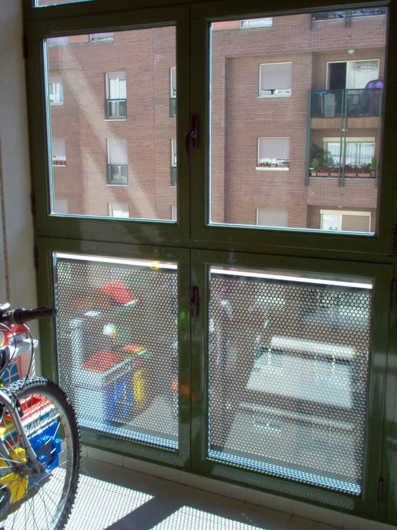 Cerramiento de terraza en aluminio verde especial