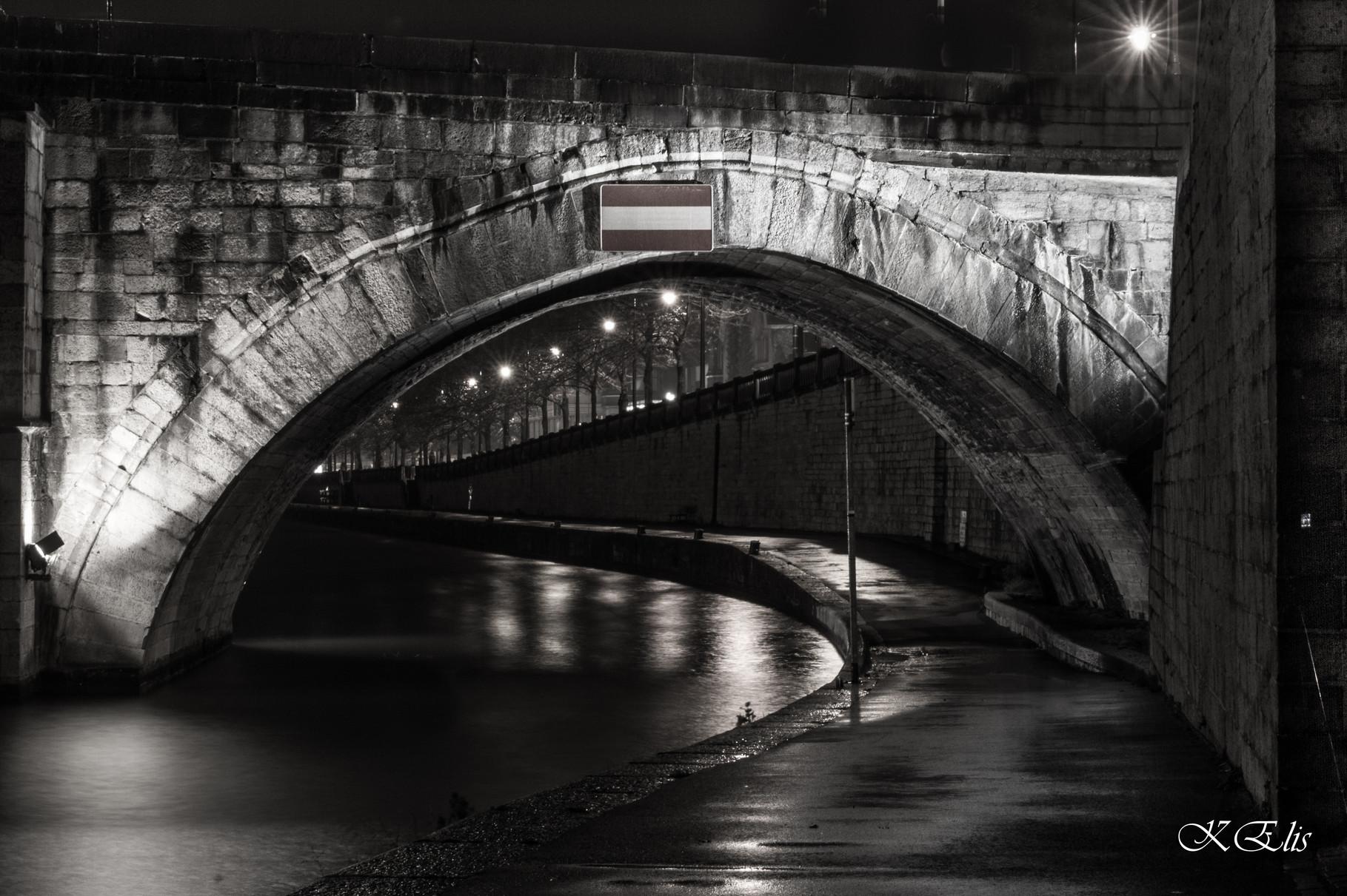 Namur by night
