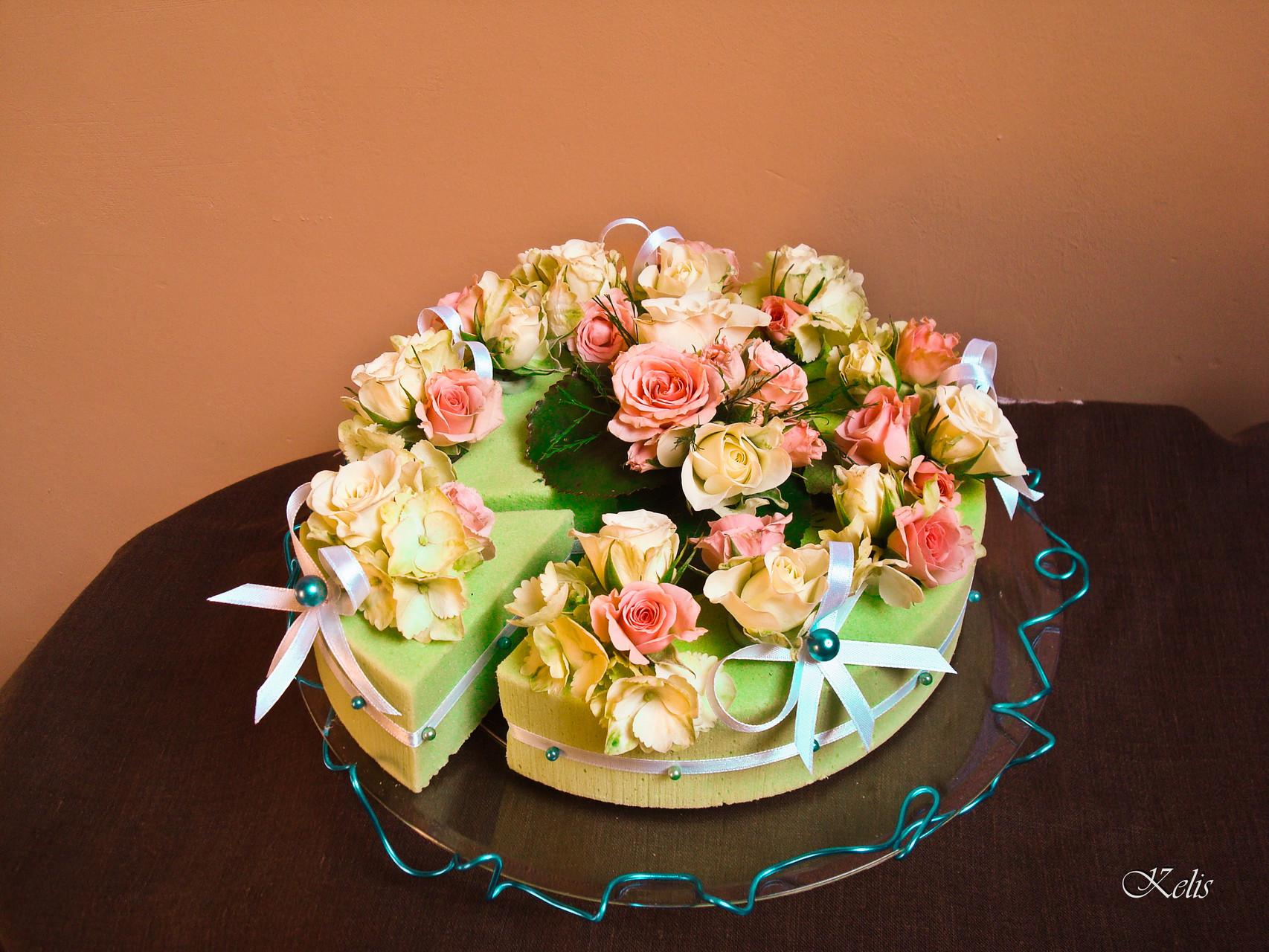 Composition florale, gâteau floral