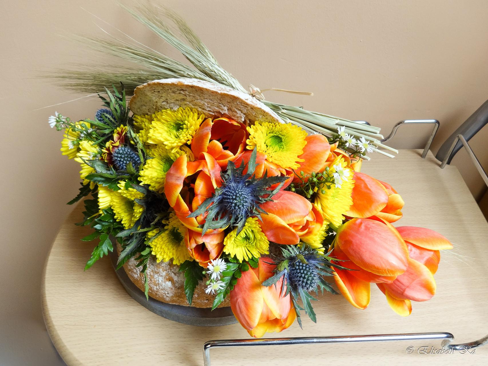 Composition florale dans pain