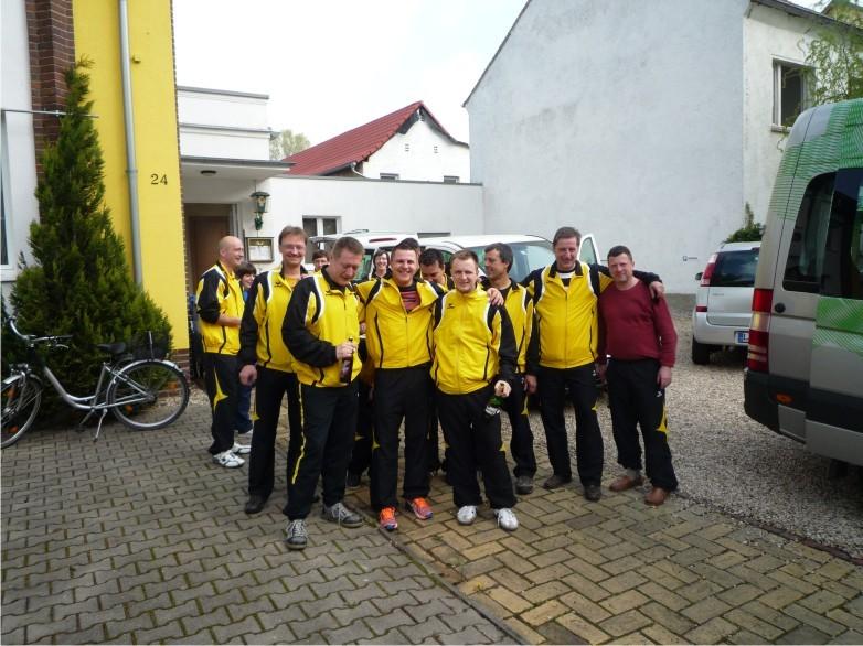 Start zum letzten Pflichtspiel nach Dresden mit Fans
