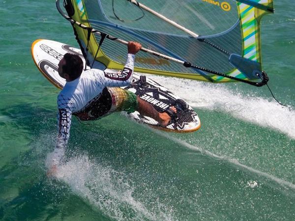 Surfen auf dem Plöner See ist einfach cool... und vor meiner Tür :-)