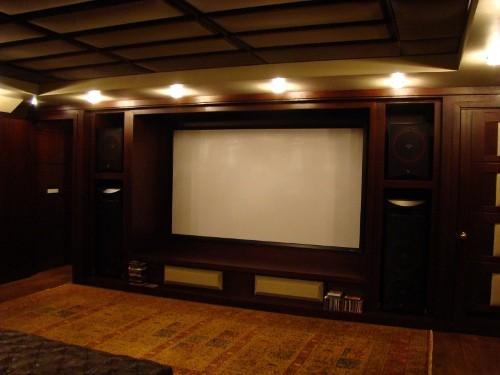 Персональный кинозал, 2006 г., Загородный дома (цокольный этаж), Акустика Cervin-Vega!, проектор Optoma (фото 1)